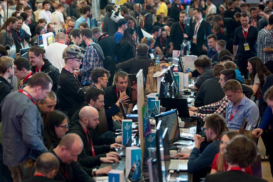 This year's Indie Showcase was huge - there were nearly 70 projects playable at the showfloor!